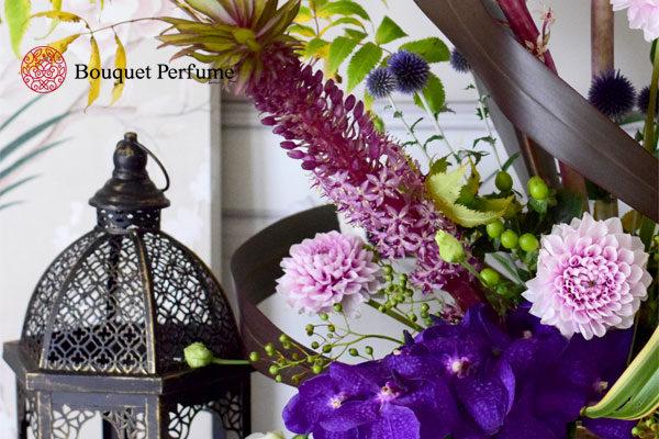 紫のフラワーアレンジメント