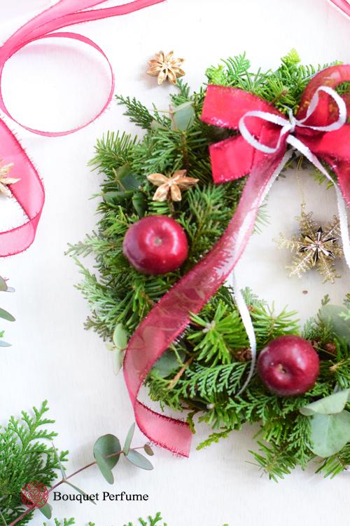 クリスマスリース 赤